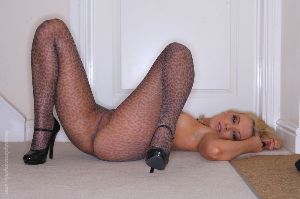young blonde very very sexy t s