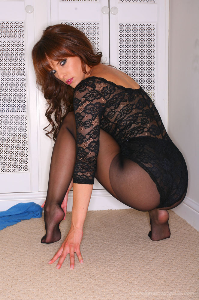 Moms in pantyhose com